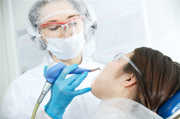 How a Periodontist Can Help You get Gum Disease Under Control