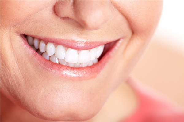Beyond Enjoying Food: The Other Benefits of All on 4 Dental Implants